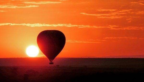 Lever de soleil au Masai Mara depuis une montgolfière