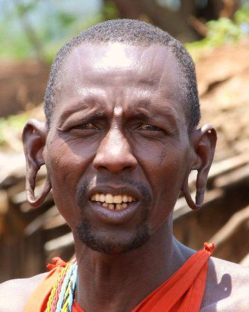 Dans une tribu Maasai au Kenya