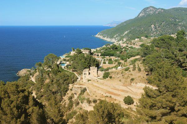Majorque - Les cultures en terrasse sur les flancs de la Serra de Tremuntana