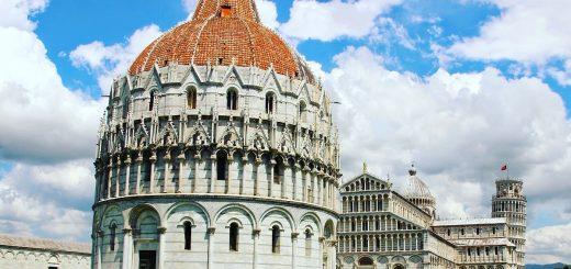 """Visiter Pise : la Piazza del Duomo ou """"Place des miracles"""""""