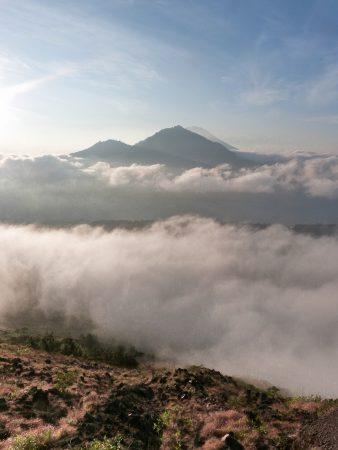 La vue depuis le sommet du Mont Batur : la récompense après l'ascension