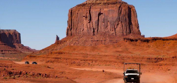 La Valley Drive pour se rendre au coeur de la Monument Valley