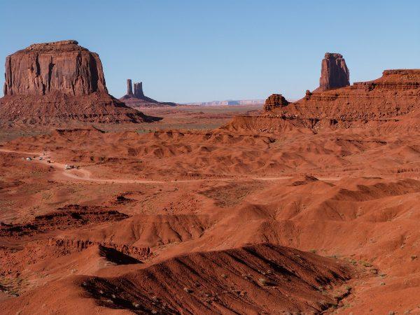 Un des paysages que l'on découvre en parcourant la Valley Drive dans la Monument Valley