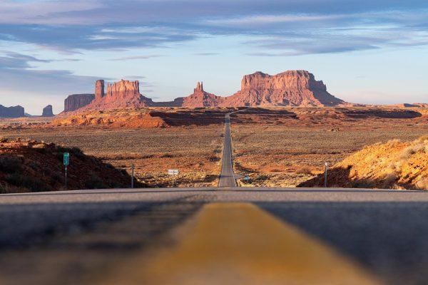 Route d'accès pour visiter la Monument Valley