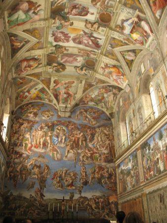 L'une des fresques des musées du Vatican
