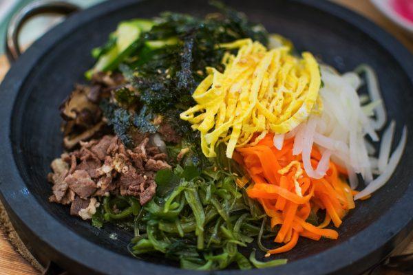 Le bibimbap, un mets populaire en Corée du Sud