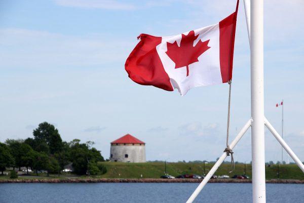 Vue sur le Fort Henry depuis le port de Kingston