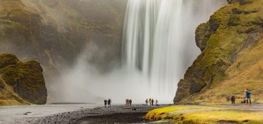 La cascade de Skogafoss en novembre