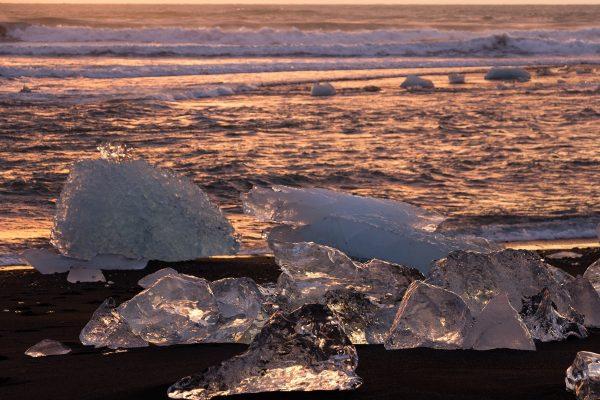 La Diamond Beach au lever du soleil, Islande