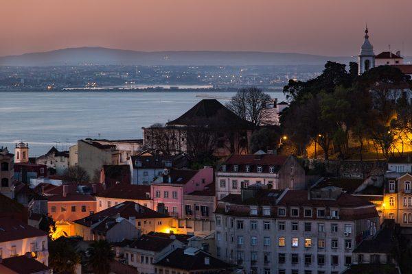 Panorama de Lisbonne au lever de soleil