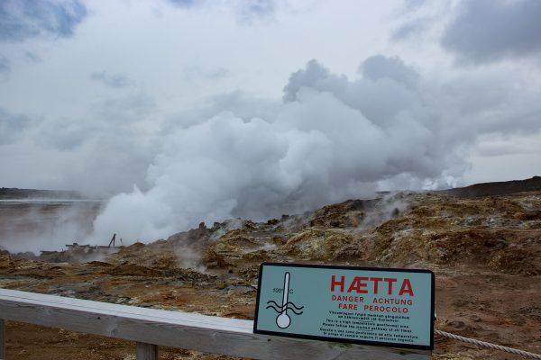 Sources chaudes de Gunnuhver : La température au sol est élevée