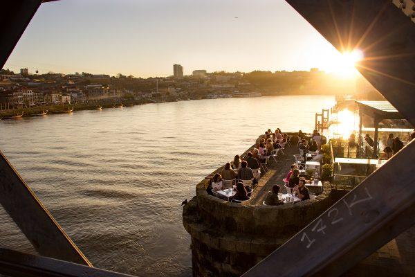 Coucher de soleil depuis le Ponte Luis I de Porto