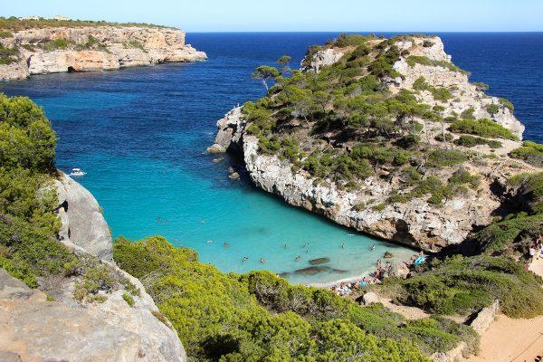 La petite crique de la plage de Calo des Moro