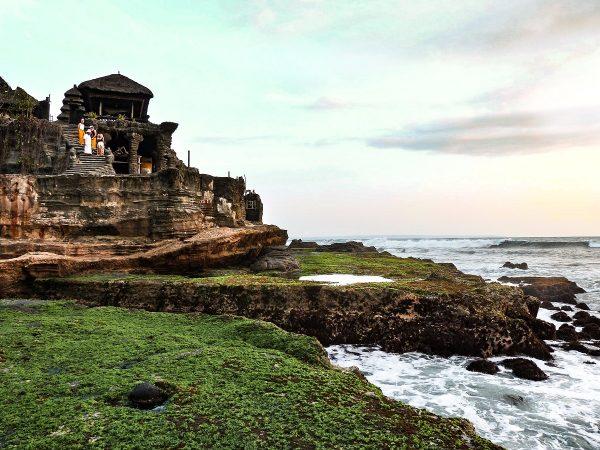 Le temple de Tanah Lot à Bali