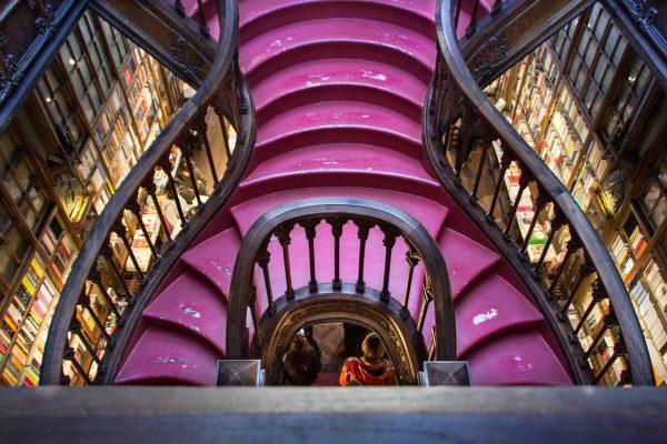 La librairie Lello à Porto et son escalier caractéristique