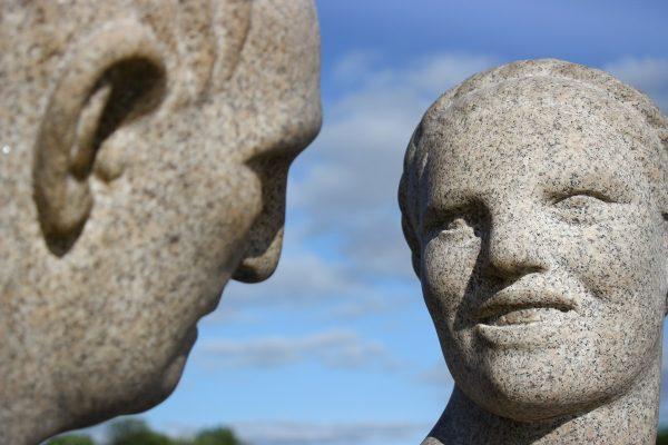 Le parc Vigeland d'Oslo et ses statues humaines