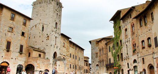 Dans le village de San Gimignano en Toscane