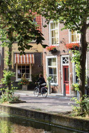 Les vélos sont très présents à Delft, comme partout aux Pays-Bas...