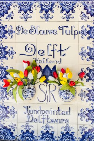 "La faïence de Delft, ou ""Bleu de Delft"""