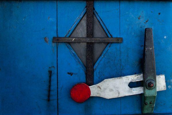 La porte à l'étage d'un moulin à huile de Zaanse Schans
