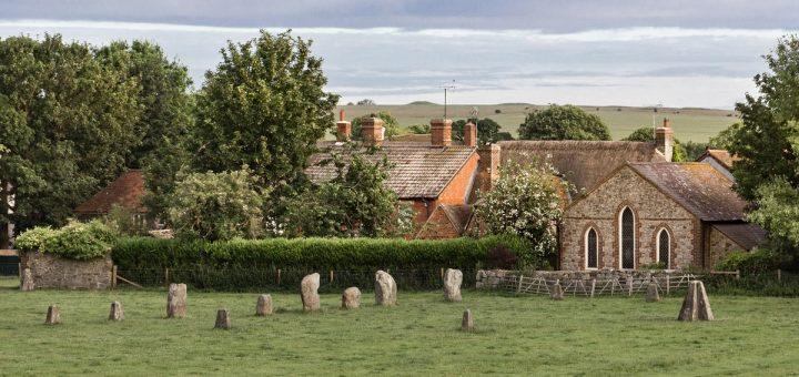 Visiter Avebury : le village traversé par les menhirs
