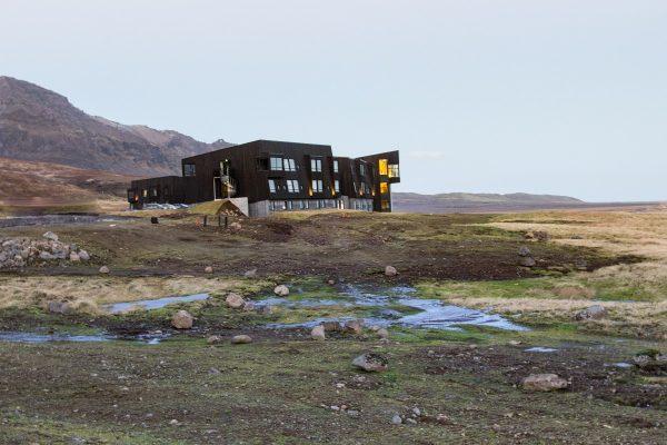 Le Fosshotel Glacier Lagoon en Islande, au milieu de la nature
