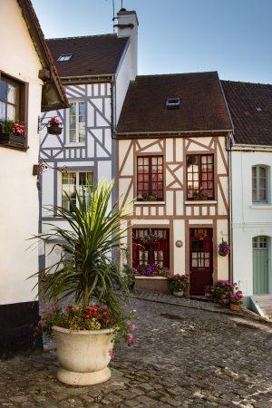 Les maisons de la Cavée Saint Firmin à Montreuil sur Mer