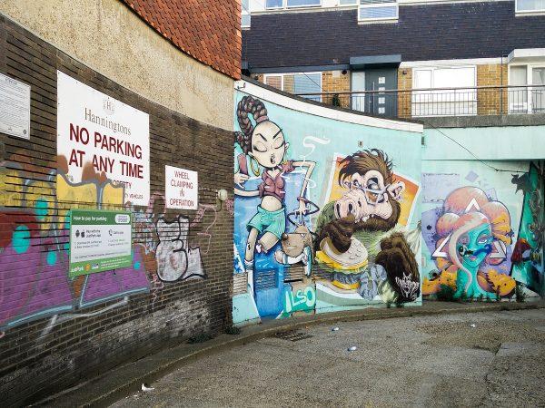 On tombe parfois sur du street art au détour des rues dans Brighton