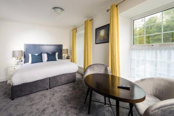 Une chambre du Commodore Hotel à Cobh