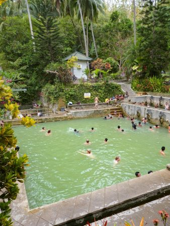 Les sources chaudes de Banjar à Bali