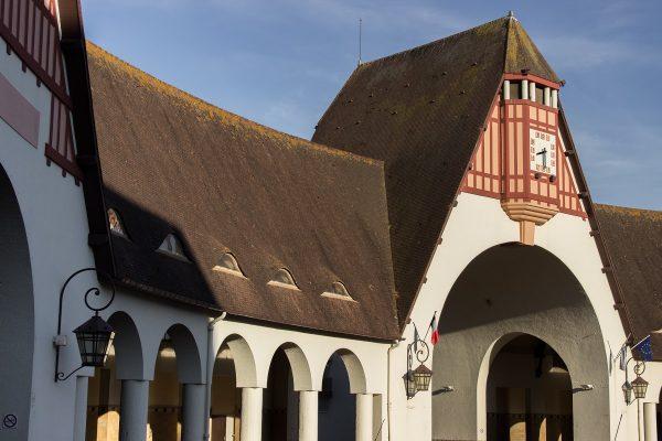 Le marché couvert du Touquet, en forme de demi arc de cercle