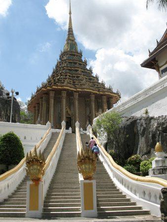 Le mondop du temple de l'empreinte de Bouddha