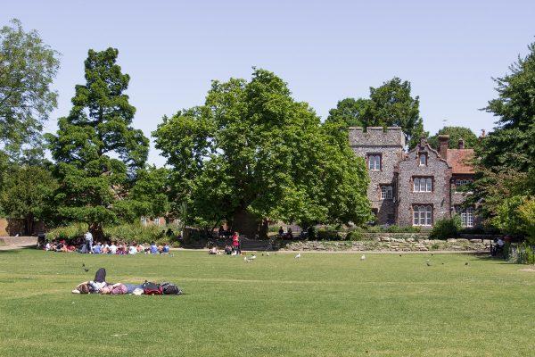 Les Westgate gardens, écrin de verdure à Canterbury