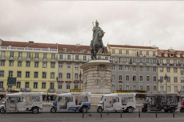 Le tuk-tuk, moyen de transport touristique à Lisbonne
