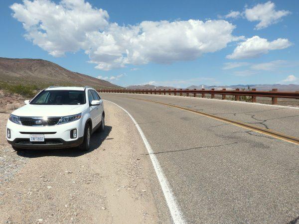 Voiture SUV sur les routes américaines