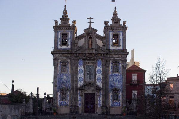 L'église Saint Ildefonso de Porto et sa façade couverte d'azulejos