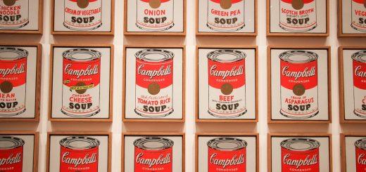 """Les """"32 boîtes de soupe Campbell's d'Andy Warhol au MOMA à New-York"""