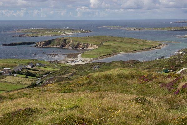 Un panorama vu depuis la Sky Road en Irlande