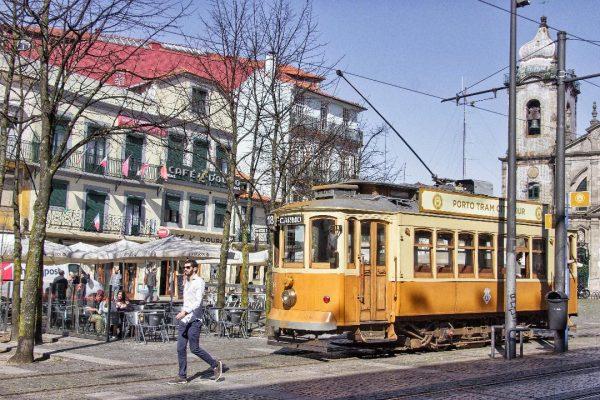 Un tramway à Porto