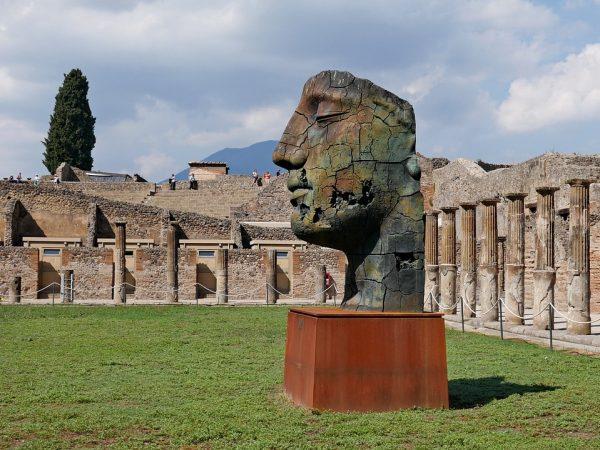 Statue dans Pompei