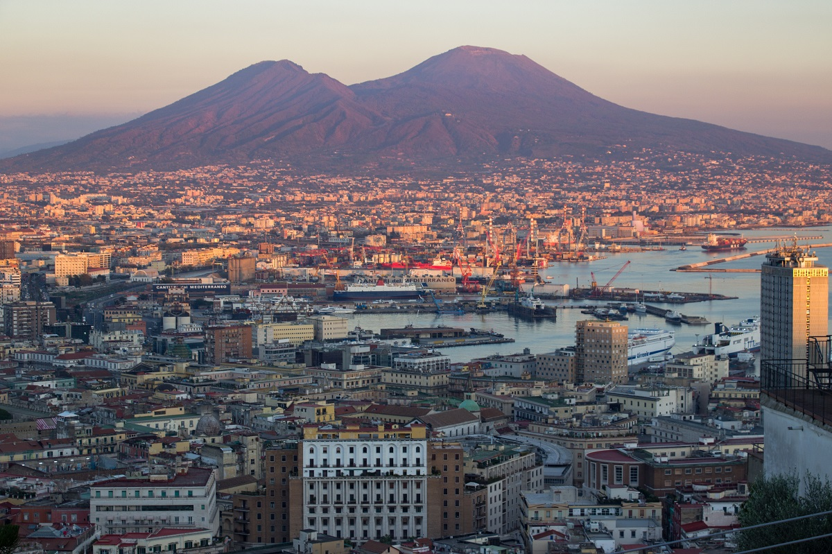 Coucher De Soleil Sur Naples Vu Depuis La Largo San Martino
