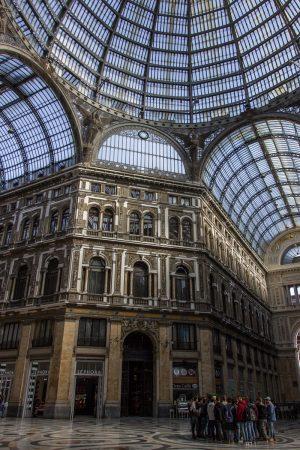 La galerie Umberto I de Naples et sa belle verrière