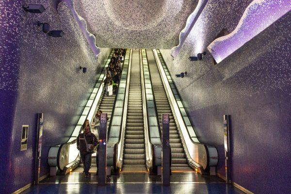 La station de métro Toledo de Naples et son plafond étoilé