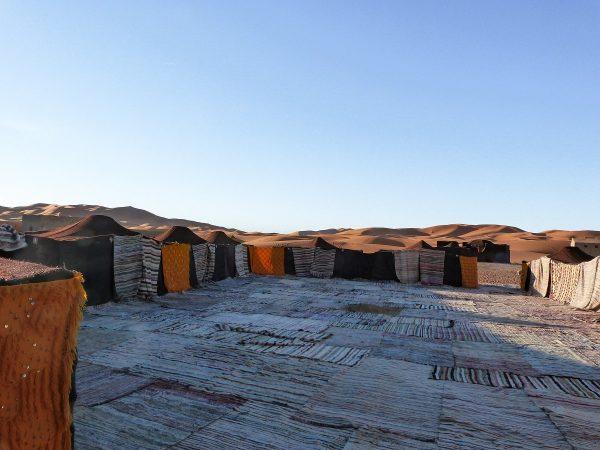 Un camp au bord du désert de Merzouga