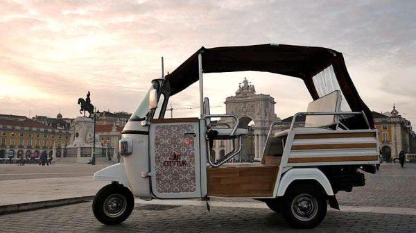 Tuk tuk dans le centre-ville de Lisbonne