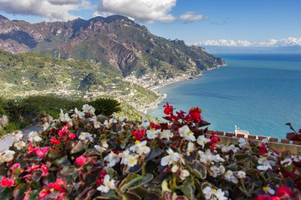 Vue sur la Côte Amalfitaine depuis la villa Rufolo de Ravello
