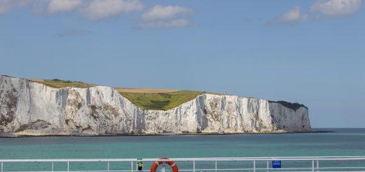 Vue sur les falaises de Douvres depuis le ferry