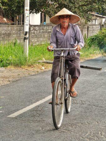 Un cycliste sur un vélo à Bali