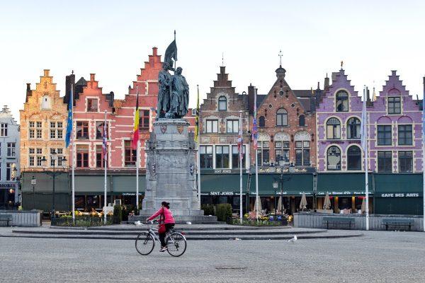 Les façades colorées de la Grand Place de Bruges