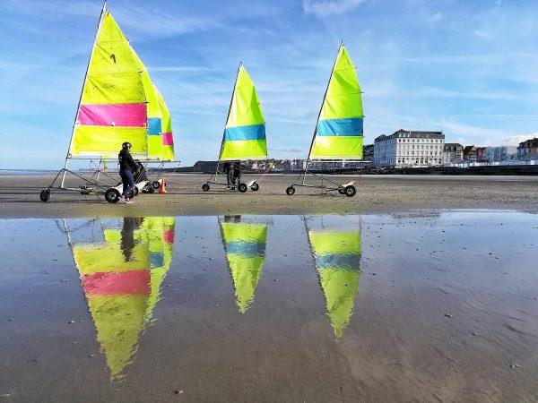 Char à voile sur la plage de Wimereux
